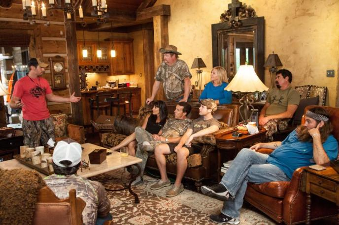 "Willie Robertson of ""Duck Dynasty"" visits with the Busbice family on ""Country Bucks"""
