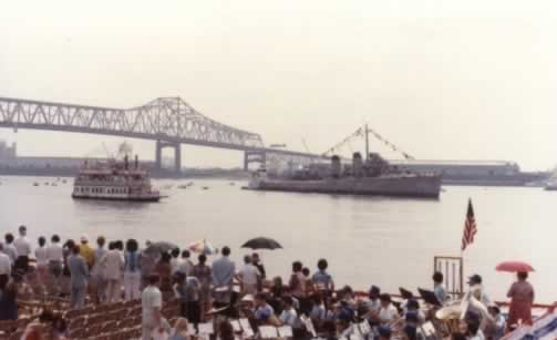 USS Kidd arrival at downtown Baton Rouge, with Samuel Clemens and I-10 bridge in 1982