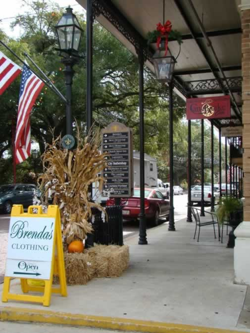 Downtown Natchitoches, Louisiana ... a shopping and dining mecca!