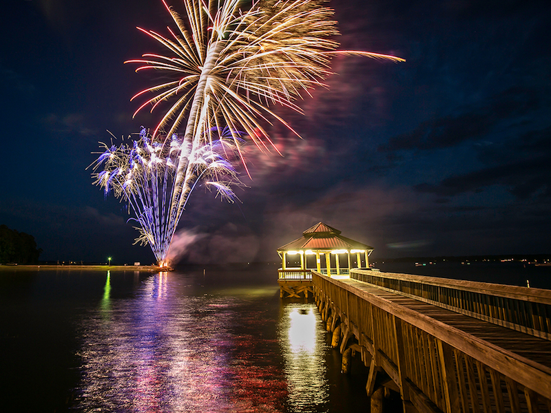 Fireworks on Toledo Bend Reservoir